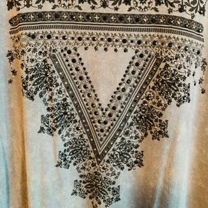 Vocal Tops - Gorgeous tunic with black stone accents!